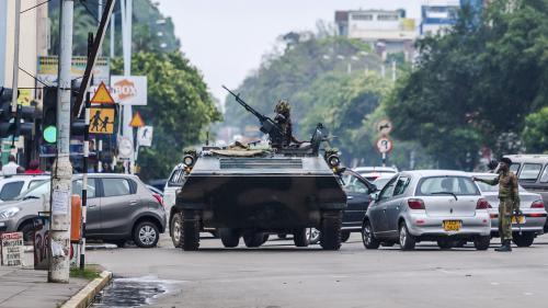 """Zimbabwe : """"Pour le moment, on peut parler uniquement de tentative de coup d'Etat"""""""