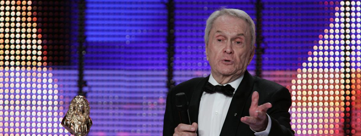 Robert Hirsch reçoit un Molière du meilleur acteur à Paris, le 14 mai 2007.