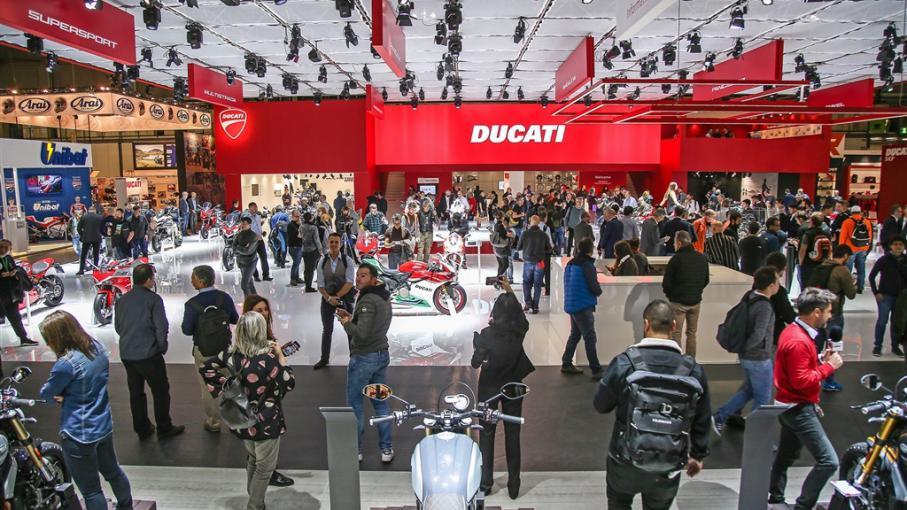 L auto et la moto les nouveaut s 2018 en mati re de deux for Salon de milan moto 2018