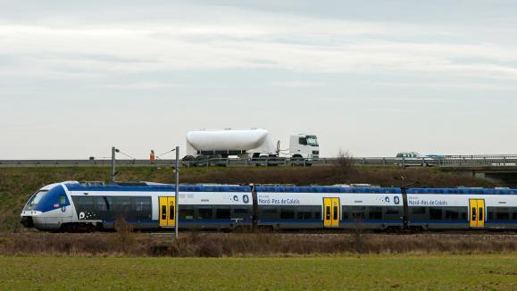 Toujours moins de voyageurs dans les trains français — Transports