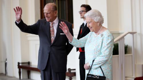 """""""Amitié passionnée"""", fausse moustache et scène de ménage... Elizabeth et Philip, un couple pas toujours à la noce depuis 70 ans"""