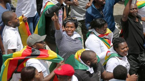VIDEO. Des milliers de Zimbabwéens dans la rue pour réclamer le départ de Robert Mugabe