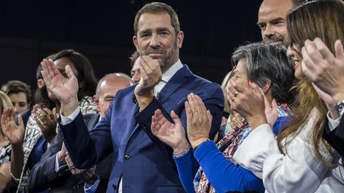 """VIDEO. """"Ça allait mon poulet ?"""" demande Christophe Castaner, fraîchement élu à la tête de LREM, à Edouard Philippe"""