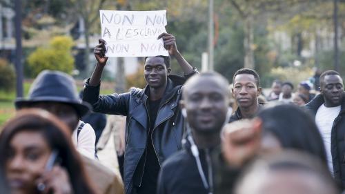 """Vente d'esclaves en Libye : Tripoli ouvre une enquête sur des actes """"inhumains"""""""
