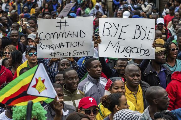 Zimbabwe: Ouattara demande à Mugabe de partir du pouvoir dans la dignité