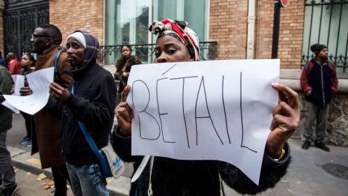 VIDEO. Ventes d'esclaves en Libye : un millier de personnes manifestent à Paris