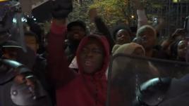 Paris : une manifestation contre l'esclavage non autorisée se termine en heurts