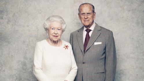Royaume-Uni : la reine Elizabeth II et le prince Philip fêtent leurs 70 ans de mariage