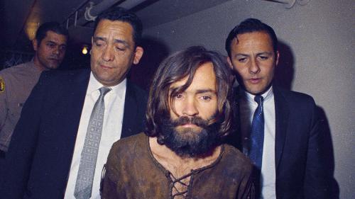 Charles Manson, le gourou du crime qui voulait déclencher la fin du monde