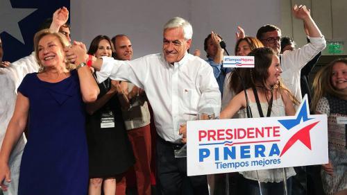 Chili : l'ancien président Piñera face au socialiste Guillier au second tour de la présidentielle