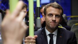 VIDEO. En retard et trop bavard, Emmanuel Macron se fait taper sur les doigts au sommet social européen