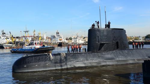 """Sous-marin argentin disparu : """"L'oxygène devient le paramètre le plus important puisque son autonomie se compte en jours"""""""