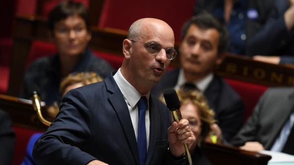 Jean-Michel Blanquer : la société française doit être unie derrière son école