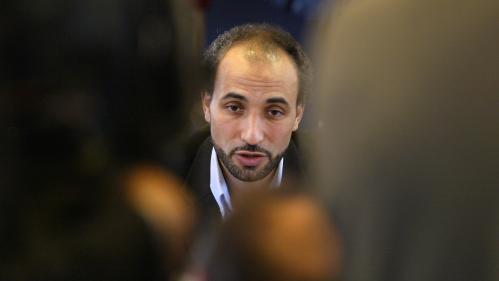 """Affaire Ramadan : """"Plus je hurlais, plus il cognait"""", raconte une victime présumée"""