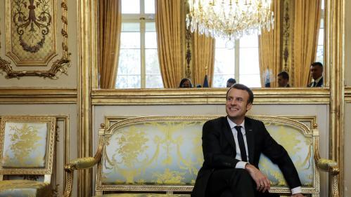 """""""Il n'a jamais été élu local, et ça se voit"""" : six mois après l'avoir parrainé, des maires jugent les premiers pas de Macron"""
