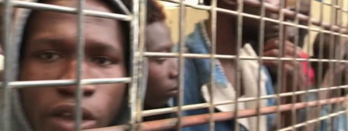 Des migrants vendus comme esclaves en Libye (extrait du reportage de CNN)
