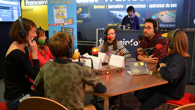 Franceinfo junior au salon du livre jeunesse des enfants for Salon du livre france