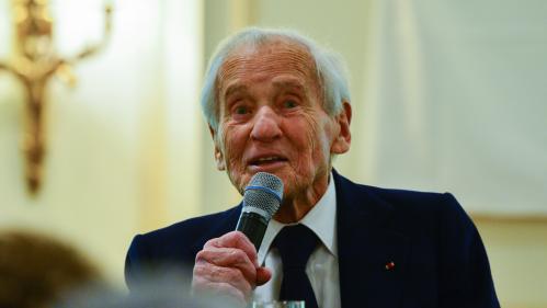 """DIRECT. Jean d'Ormesson """"était le meilleur de l'esprit français"""", réagit Emmanuel Macron après la mort de l'écrivain"""
