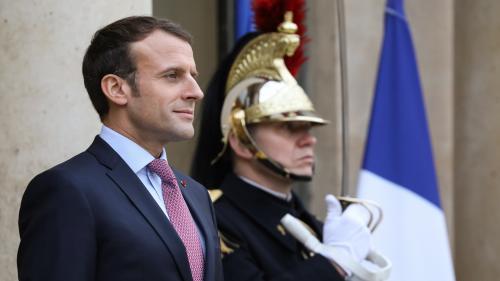 Un Français sur deux satisfait d'Emmanuel Macron en décembre, selon un sondage