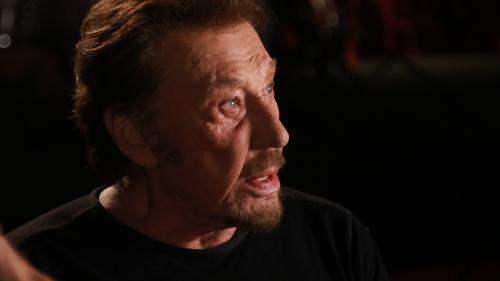 """VIDEO. Quand Johnny traverse la foule du Parc des Princes en 1993 : """"Qu'est-ce que j'ai eu comme idée con de faire ça !"""""""