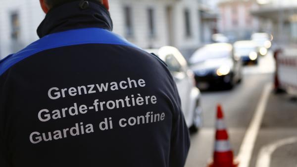 Suisse : un garde-frontière déclaré coupable de la mort d'un bébé à naître syrien