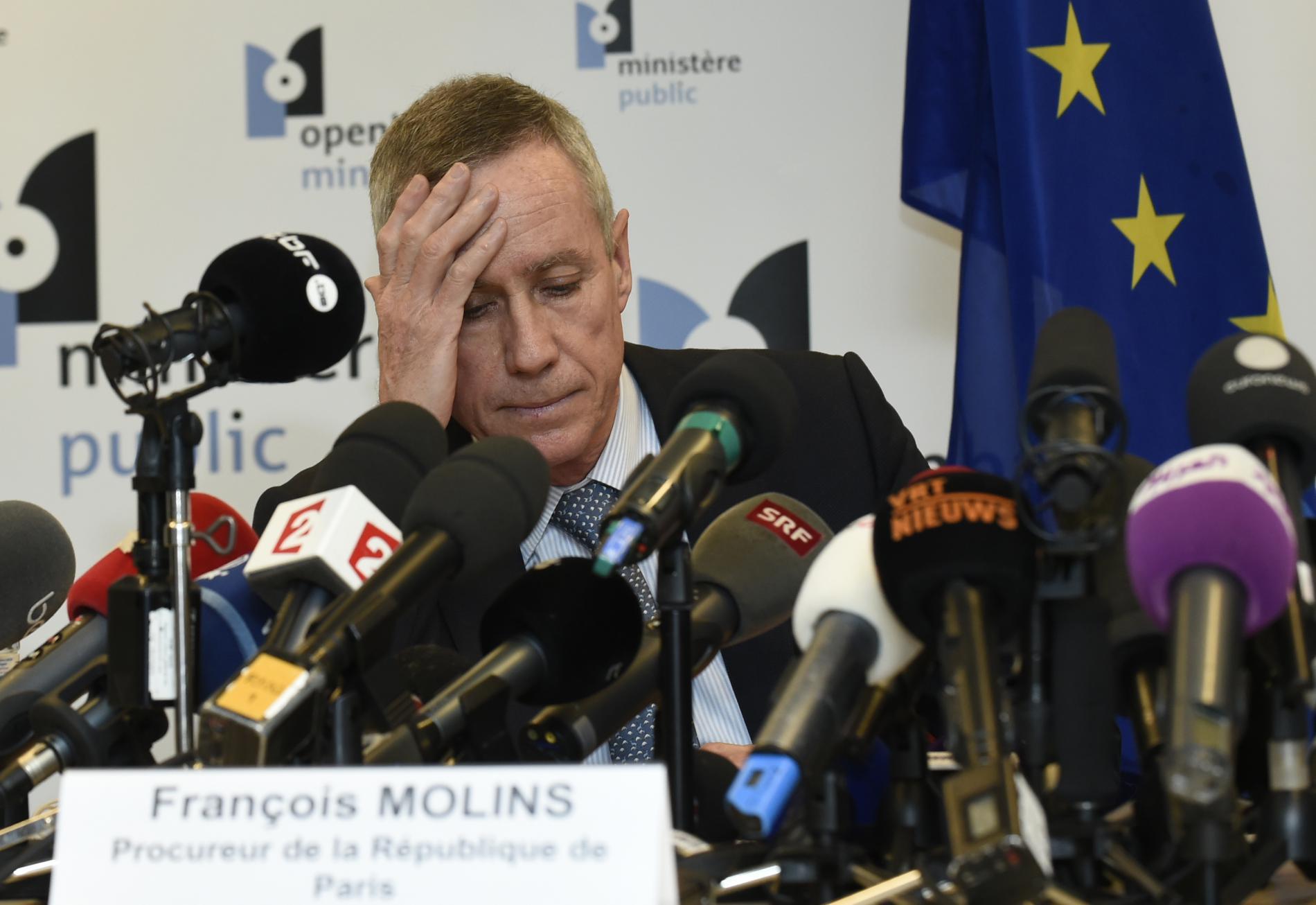 François Molins, procureur de la République de Paris, s\'apprête à donner une conférence de presse à Bruxelles (Belgique), le 21 mars 2016, après la découverte d\'une trace ADN sur des explosifs utilisés lors des attaques commises à Paris.