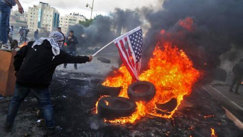 VIDEO. Jérusalem reconnue capitale d'Israël : des manifestants palestiniens affrontent des soldats israéliens