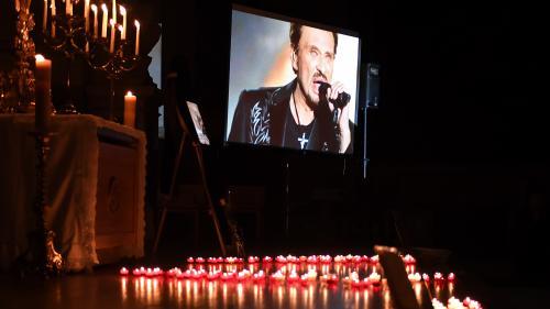 """Hommage populaire à Johnny Hallyday : quelle sécurité pour un cortège """"le plus près possible du public"""" ?"""