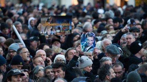 DIRECT. Hommage à Johnny : le cortège funéraire est entré dans Paris, et s'apprête à descendre les Champs-Elysées