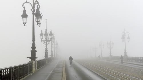 """Tempête Ana : vent, pluie, vagues, neige... Météo France annonce """"une conjonction de phénomènes assez rare"""" pour la journée de lundi"""