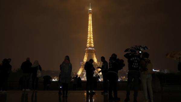 DIRECT. Tempête Ana : la tour Eiffel fermée aux visiteurs en raison des conditions météorologiques