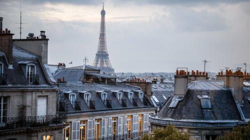 INFO FRANCEINFO. La ville de Paris se prépare à attaquer Airbnb en justice pour faire retirer les milliers d'annonces illégales dans la capitale