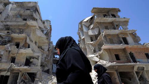"""DOCUMENT FRANCE 2. """"La porte s'ouvre. Trois colosses entrent..."""" : des Syriennes racontent leur viol dans les prisons de Bachar Al-Assad"""