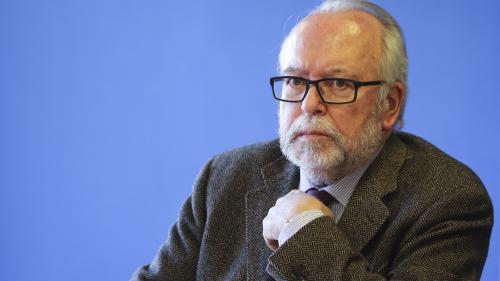 """Assistants d'eurodéputés FN : le trésorier dénonce """"des persécutions perpétuelles"""" après la mise en examen du parti"""