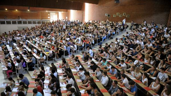 Expliquez-nous... Le projet de loi relatif à l'orientation et à la réussite des étudiants