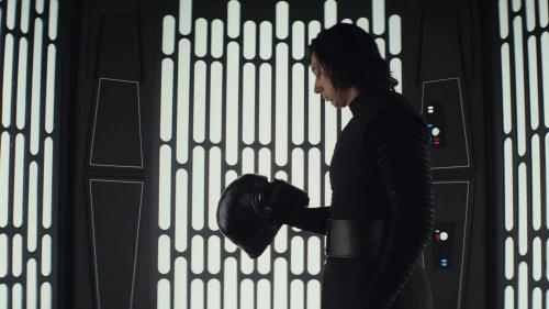 """""""Les Derniers Jedi"""" : le nouveau Star Wars côté clair et côté obscur"""