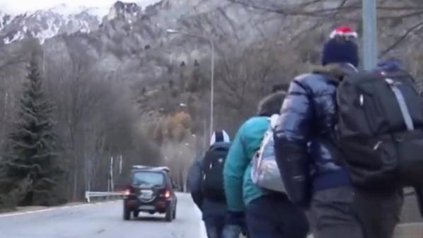 VIDEO. Hautes-Alpes : avec les migrants qui tentent de franchir le col de l'Échelle, une traversée à haut risque