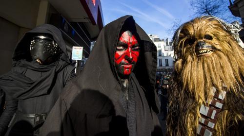 """""""C'est un régal"""" : à la sortie du Grand Rex, des fans de Star Wars convaincus par le nouvel opus de la saga"""