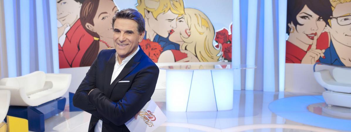 """L\'animateur Tex sur le plateau des \""""Z\'Amours\"""" sur France 2, le 10 décembre 2015."""