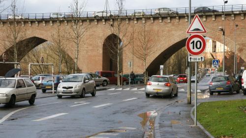 """""""Ce sont des dangers quotidiens"""" : dans le Var, la croisade d'un automobiliste contre les dos-d'âne"""