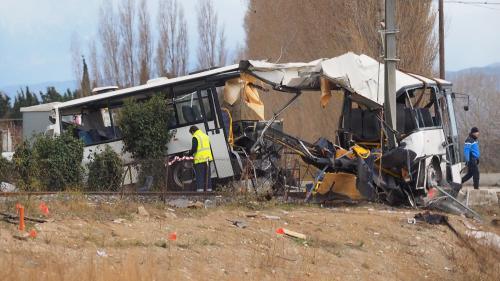 """DIRECT. Collision mortelle à Millas : """"Les témoignages indiquent majoritairement que les barrières étaient fermées au moment de l'accident"""", selon le procureur"""