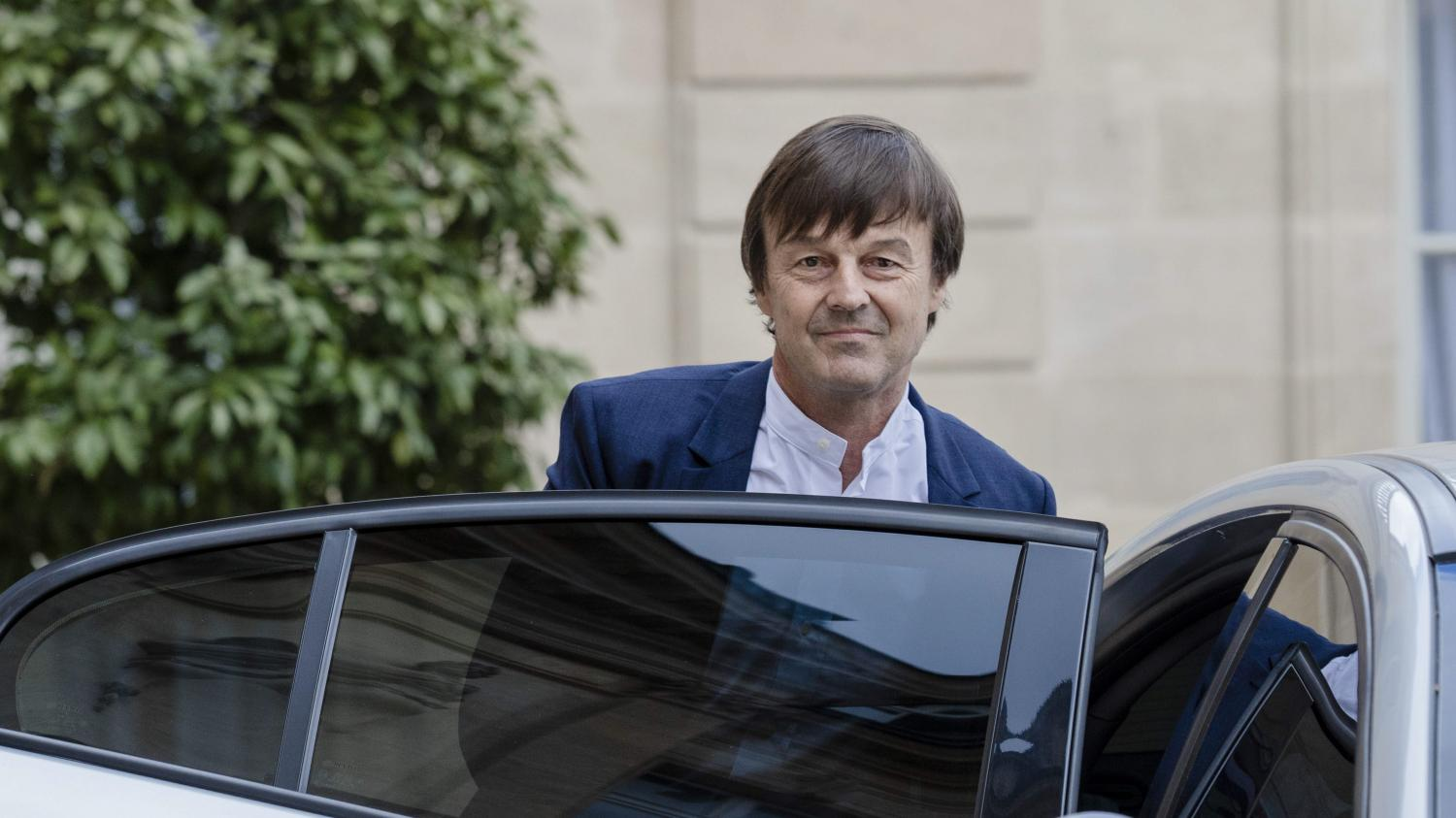 nicolas hulot un ministre de l 39 ecologie qui poss de six voitures pas toutes propres. Black Bedroom Furniture Sets. Home Design Ideas