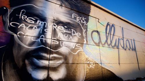 Calais : une fresque en hommage à Johnny Hallyday vandalisée