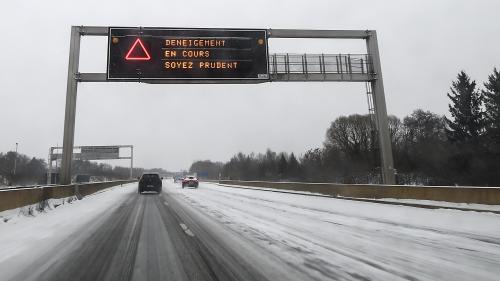 """VIDEO. Lyon : """"Deux à cinq centimètres de neige ont suffi à paralyser toute l'agglomération"""""""