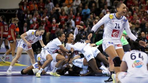 Handball : les Bleues sacrées championnes du monde après leur exploit face à la Norvège (23-21)