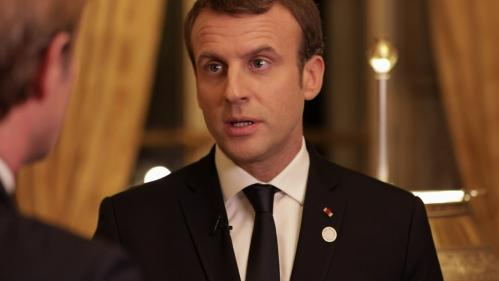 "VIDEO. ""Je dors peu"", confie Emmanuel Macron à Laurent Delahousse"