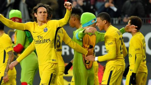 """Rennes-PSG : des Tortues Ninja envahissent la pelouse pour féliciter Kylian """"Donatello"""" Mbappé (et finissent au poste)"""
