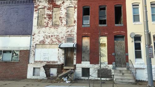 """A Baltimore, deux ans après les émeutes, la violence reste partout : """"Et nous, on continue à aller à toutes ces funérailles..."""""""