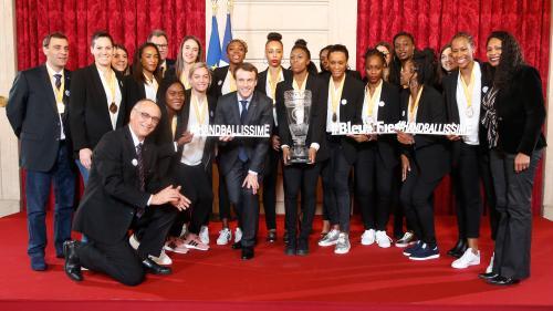DIRECT. Handball : les Bleues, championnes du monde, ont été reçues à l'Elysée