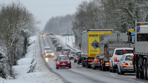 Météo : six départements en alerte orange à la neige et au verglas